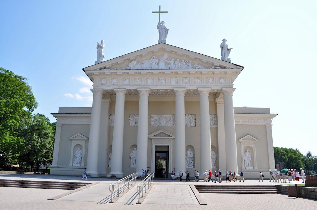 Главный фасад кафедрального собора Вильнюса