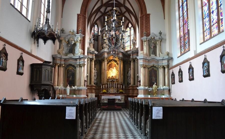 Что можно увидеть внутри костела Святой Анны в Вильнюсе
