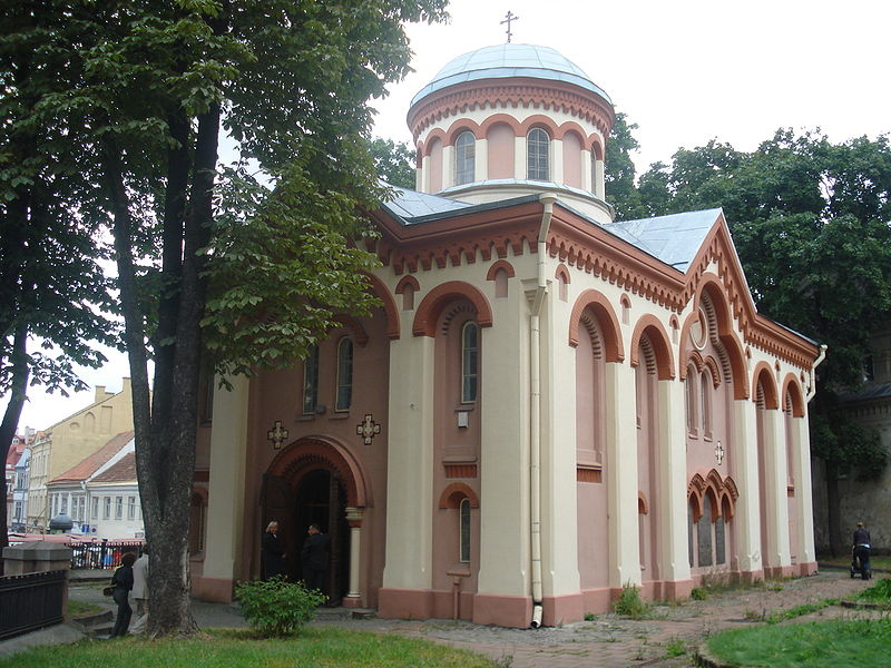 Вид со двора, Пятницкая церковь в Вильнюсе