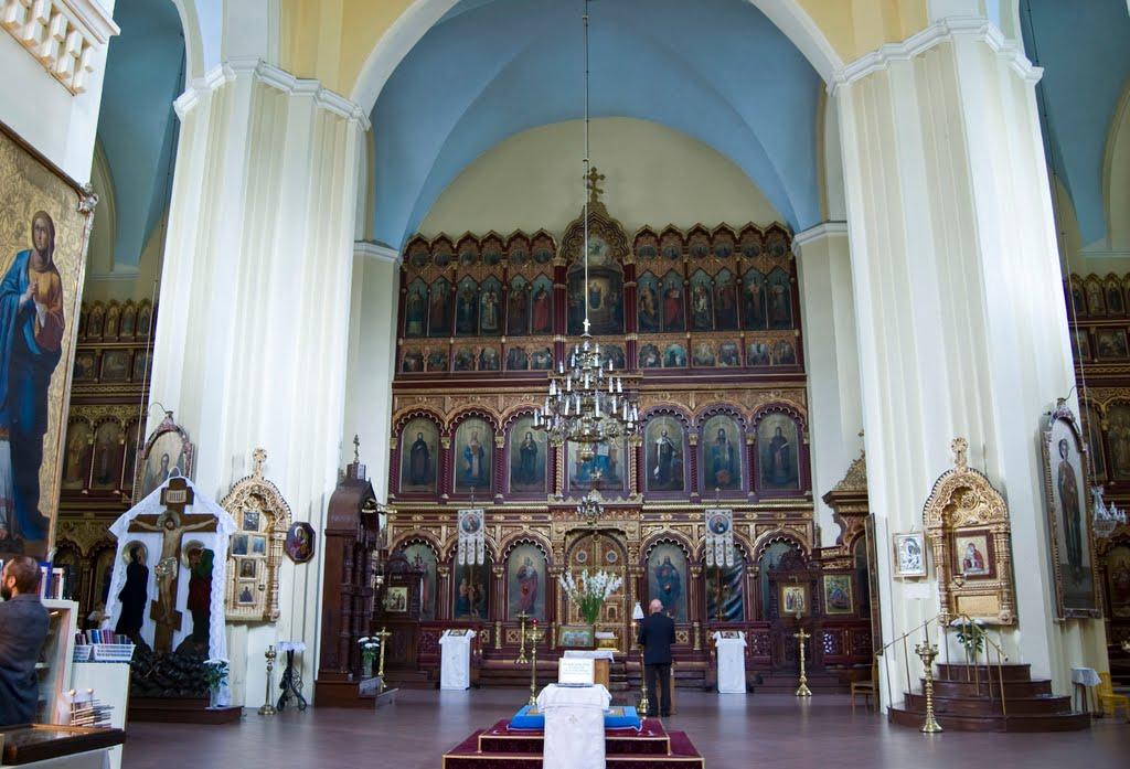 Внутри Пречистенского кафедрального собора