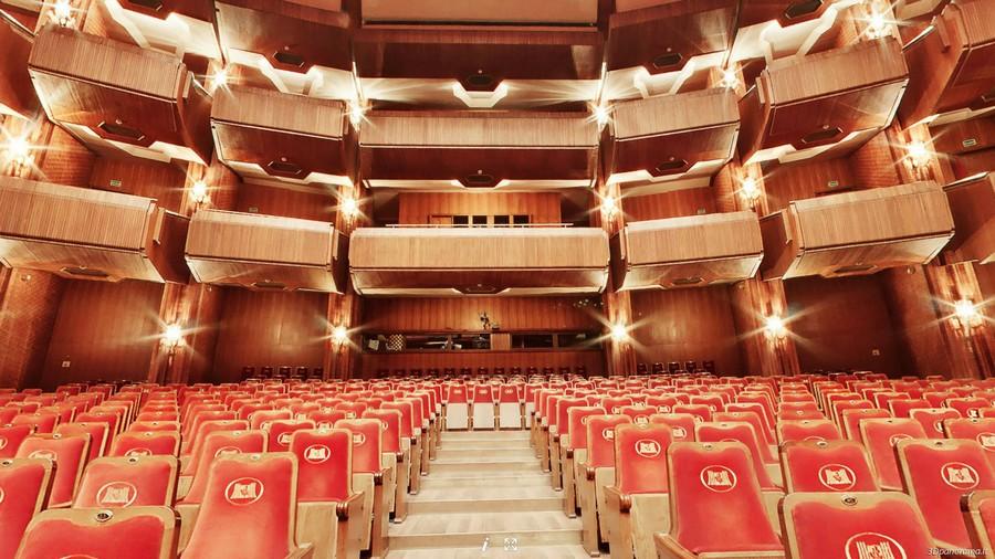 Зал Литовского Национального Театра Оперы и Балета