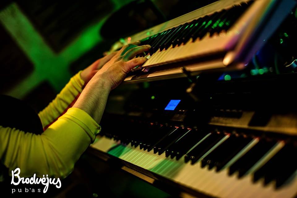 Живая музыка в клубе Бродвей, Вильнюс