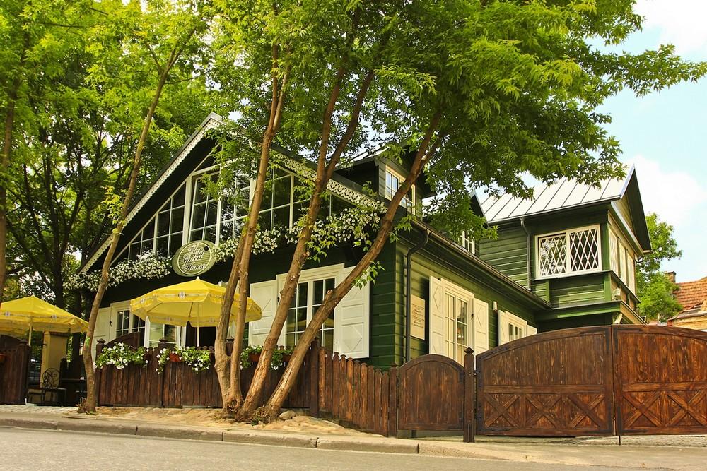 "Ресторан ""Old green house"" (Старый зеленый дом), Вильнюс"