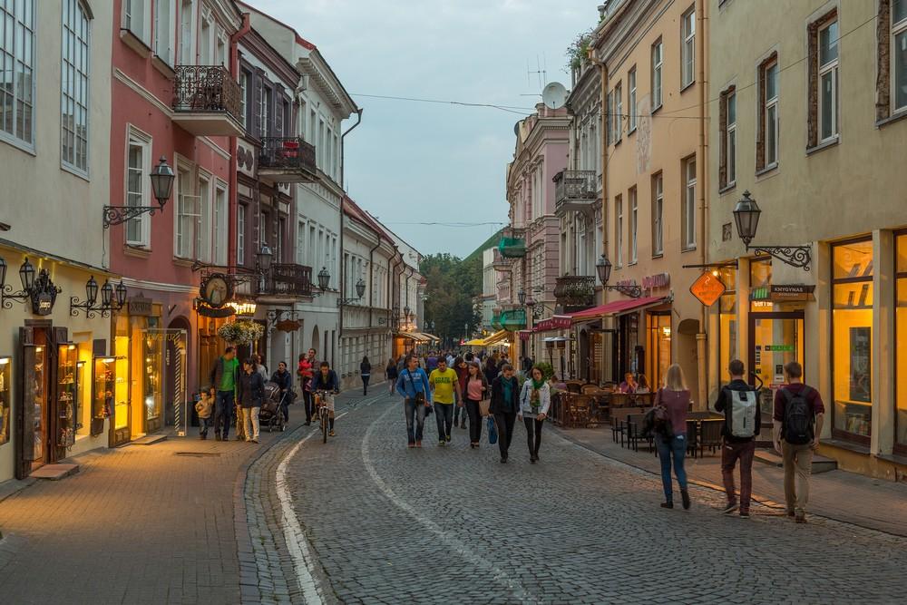 Замковая улица вечером, Вильнюс
