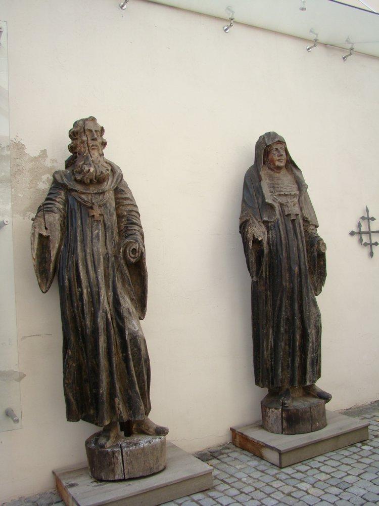 Деревянные статуи святых, костел Святого Михаила в Вильнюсе