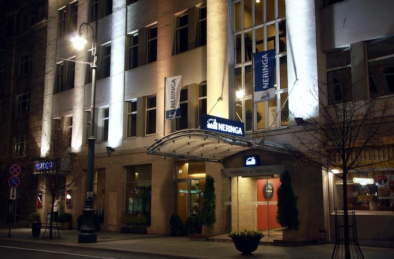 Вид ночью на ресторан Неринга