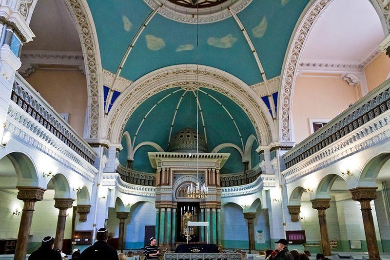 Внутри синагоги в Вильнюсе
