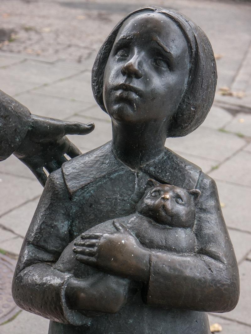 Памятник доктору Айболиту (Цемаху Шабаду) в Вильнюсе