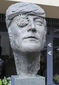 Памятник Джону Леннону, Вильнюс
