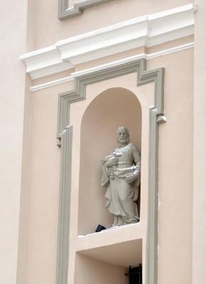 Вид костела Святой Терезы вблизи