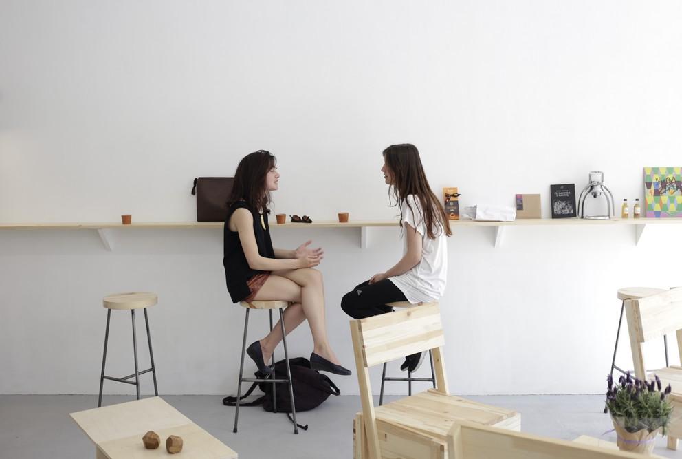 Кафе Crooked nose & Coffee stories (Кривой нос и кофейные истории), Вильнюс