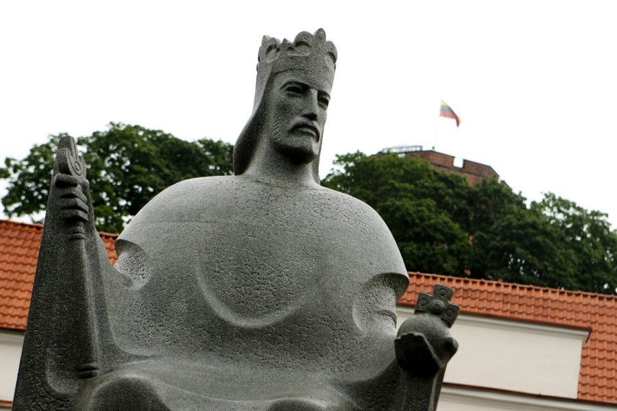 Памятник королю Миндовгу