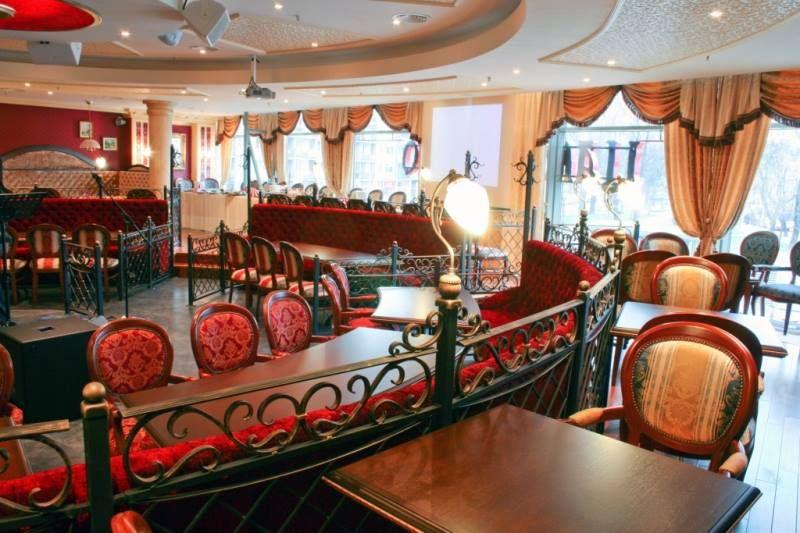 """Русский ресторан """"Carskoje Selo"""" (""""Царское село"""") в Вильнюсе"""