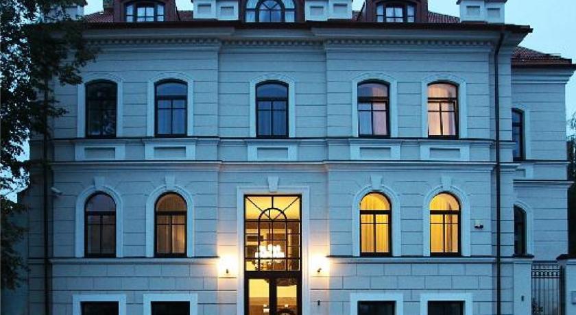 Art Hotel Moon Garden 4*, Вильнюс