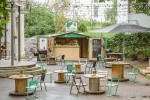 Хостел Downtown Forest Hostel & Camping, терраса и бар